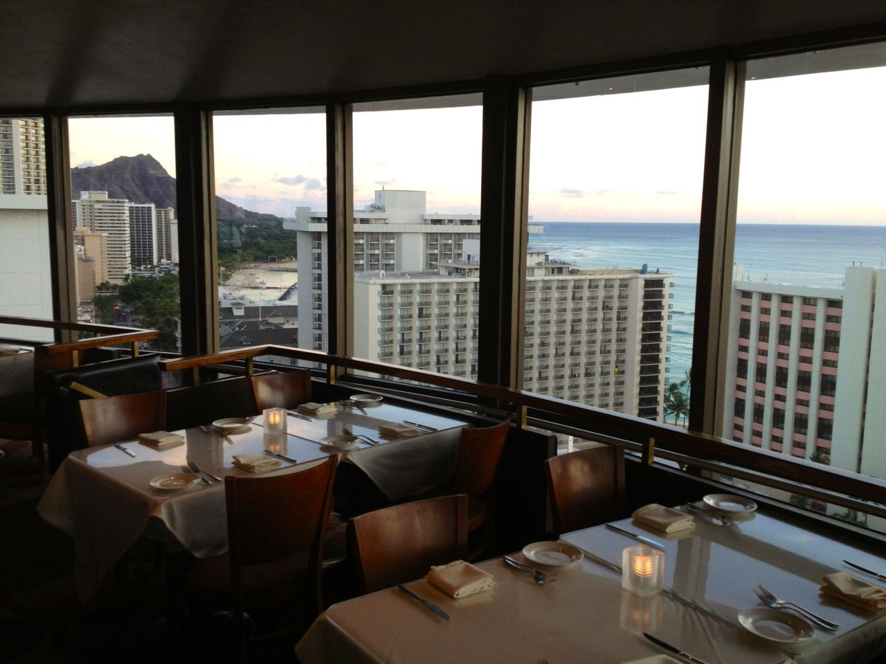 waikiki all inclusive revolving restaurant